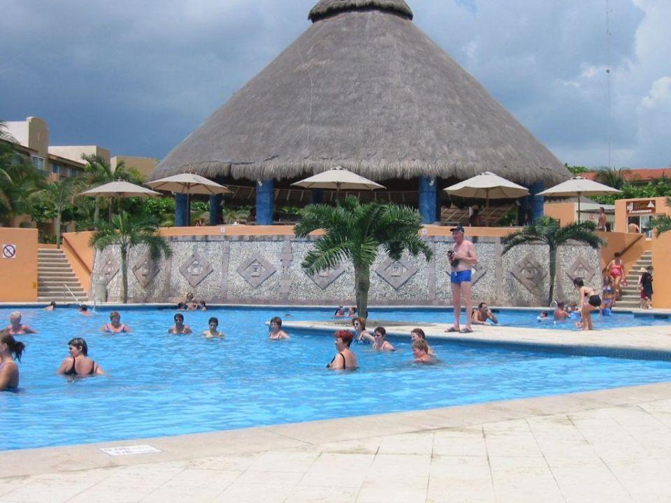 Pool Hotel Viva Wyndham Azteca