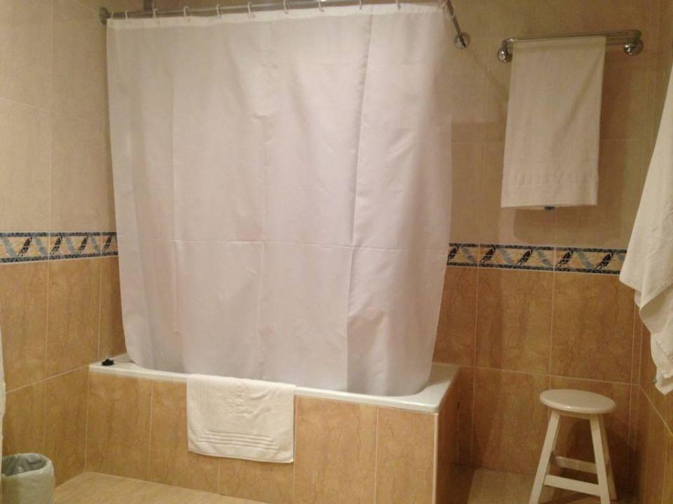 bild badezimmer zu universal hotel lido park in peguera