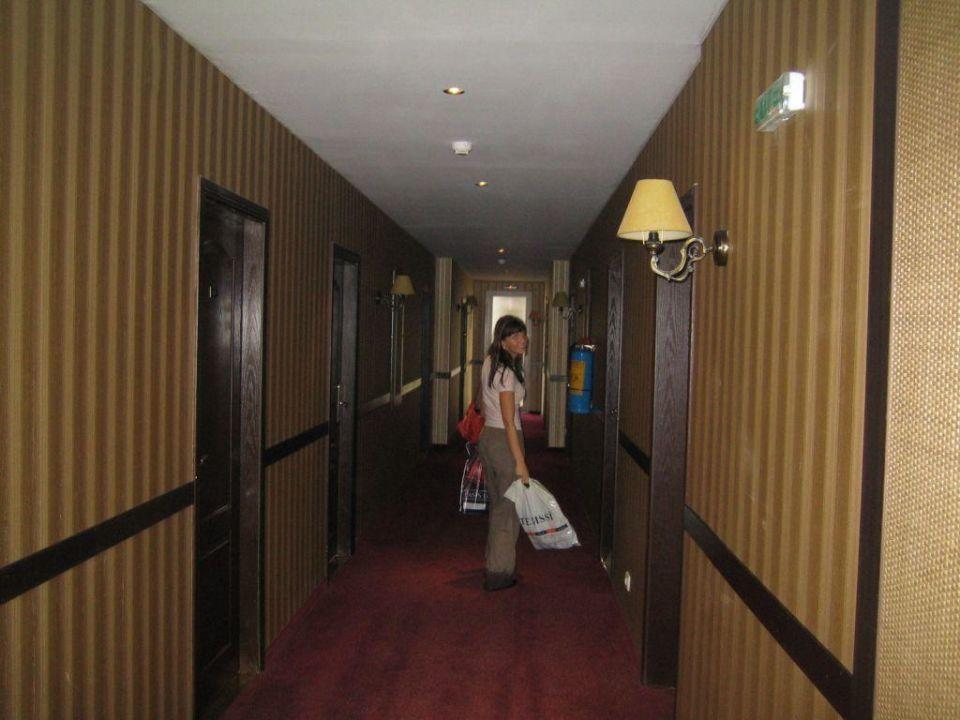 Auf dem Weg zum Zimmer Suite Hotel Imperial