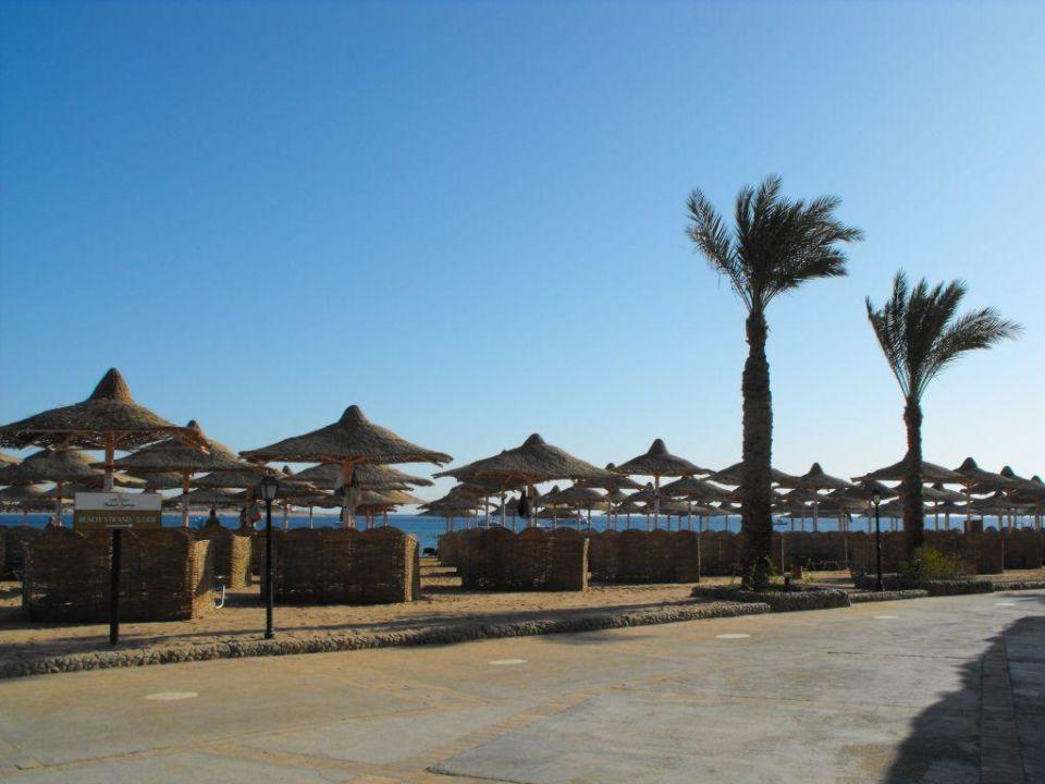 Wejście na plażę Jaz Makadi Oasis Club & Resort