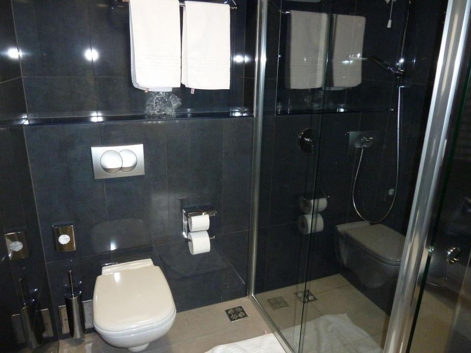 Edle Materialien Im Badezimmer Hotel IN Biograd