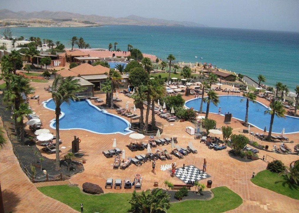 Bild tolle poolanlage zu hotel h10 tindaya in costa calma for Tolle hotels
