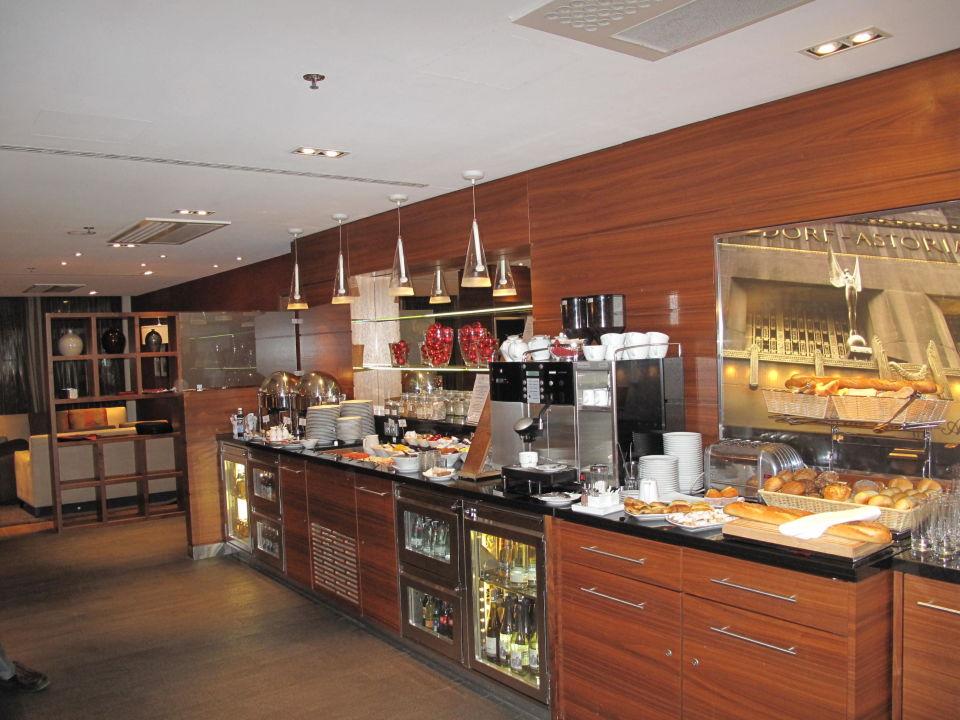 Buffet In D Ex Lounge Hilton Dresden Dresden Holidaycheck