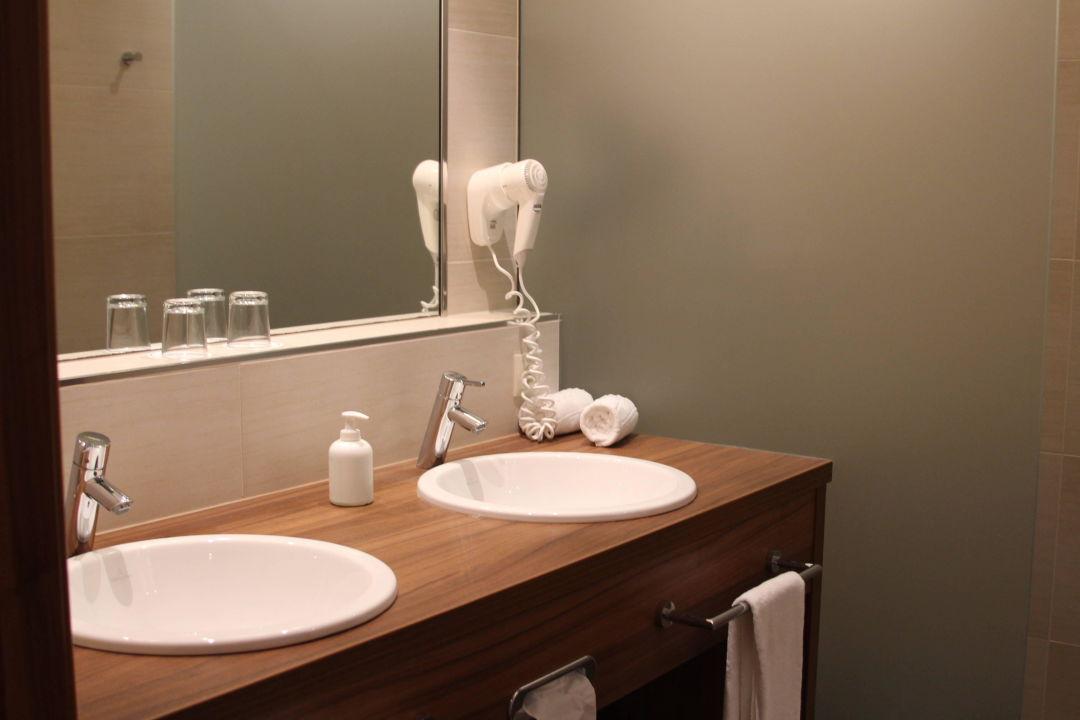 Badezimmer Suite Kathrein Hotel Sulfner