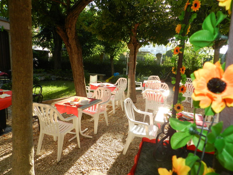 Allestimento cena a tema Hotel Villa Fulgida