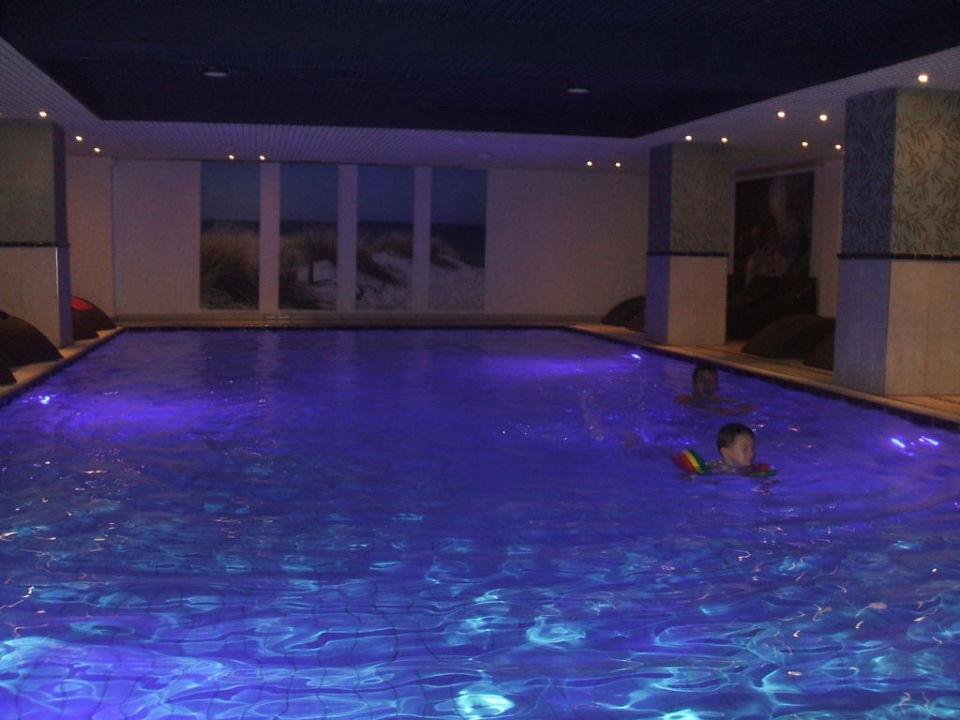 sch nes schwimmbad im keller carat golf sporthotel residenz gr mitz holidaycheck. Black Bedroom Furniture Sets. Home Design Ideas