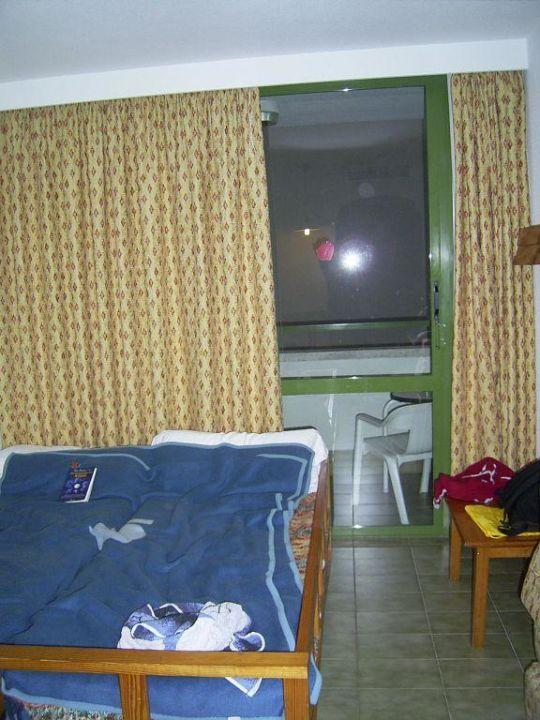 bild das zimmer zu allsun hotel eden alcudia in alcudia. Black Bedroom Furniture Sets. Home Design Ideas