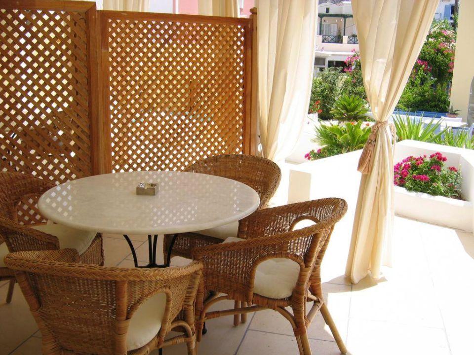 Terrasse der Suite Hotel Tamarix del Mar
