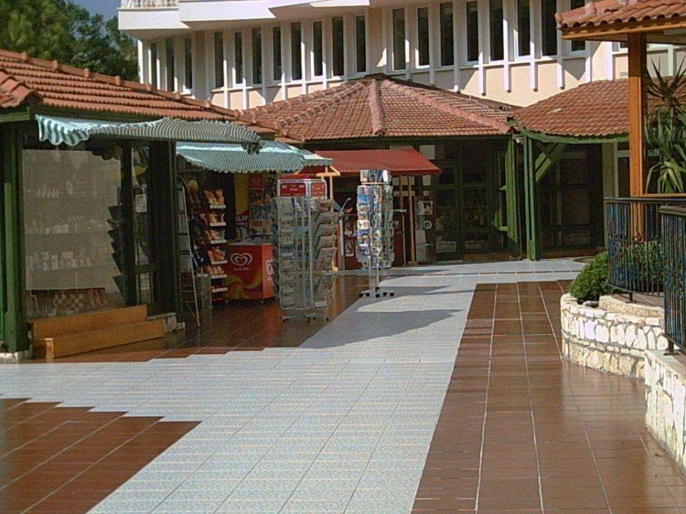 Eingang Hotel von der Pool-Seite Akka Alinda Hotel