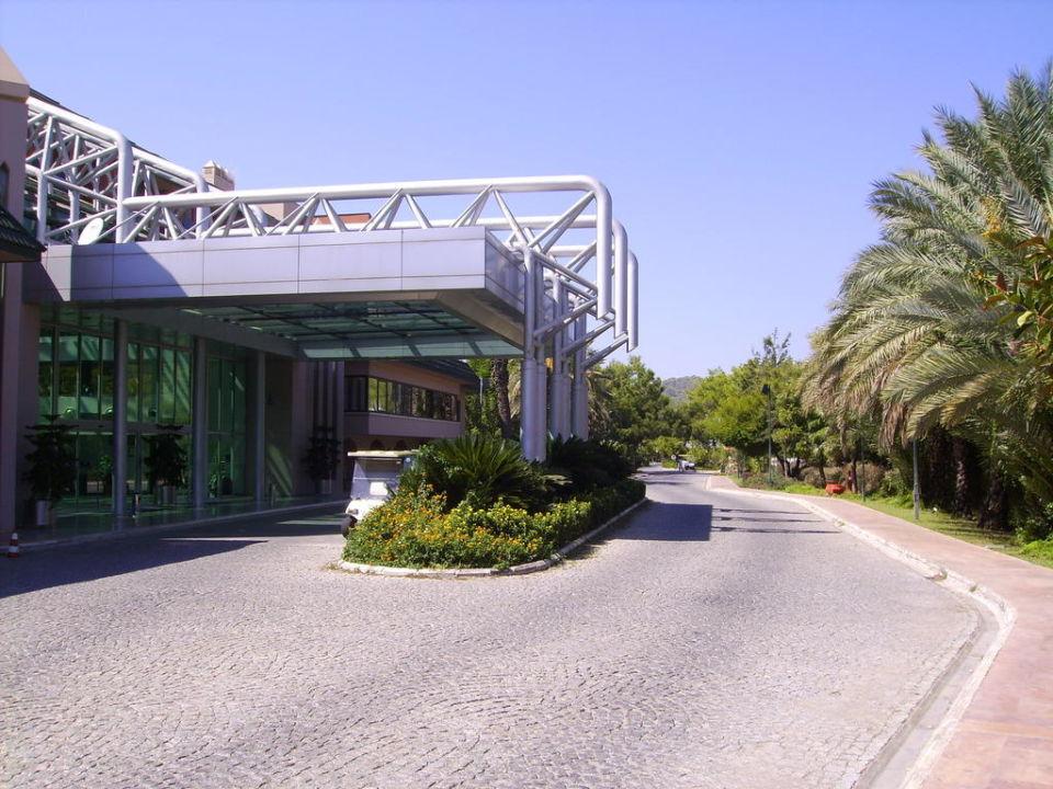 Вход в отель TT Hotels Pegasos Resort