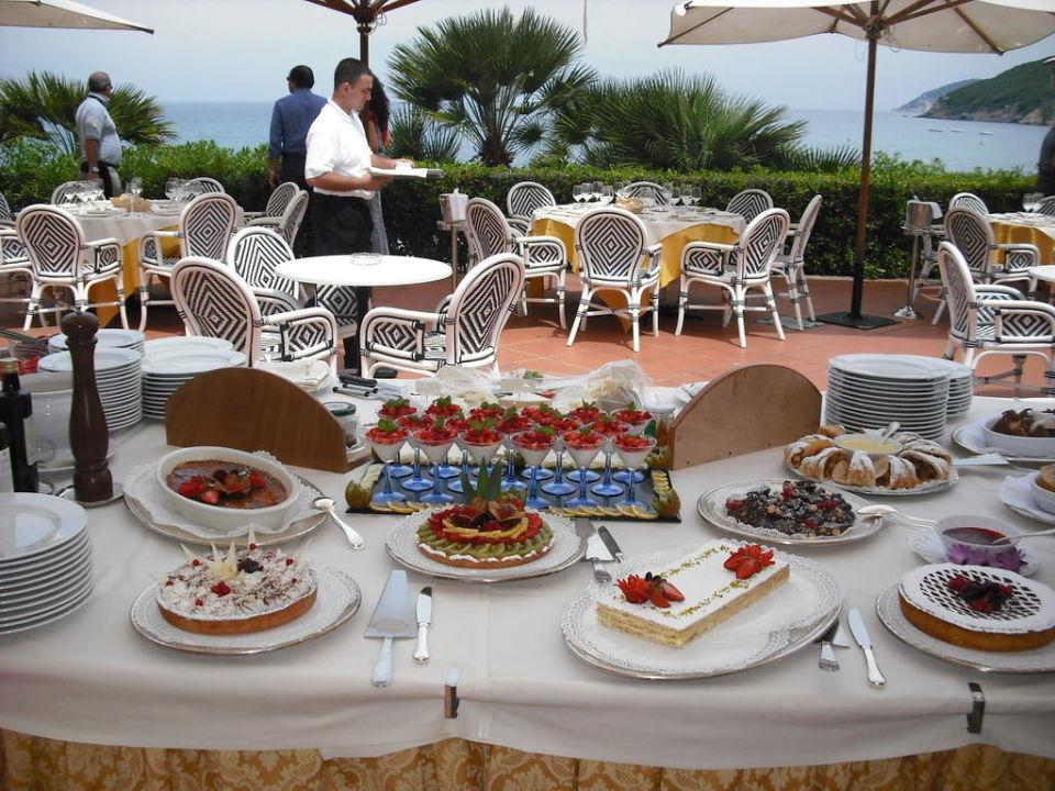 Il buffet sulla terrazza Hotel Del Golfo