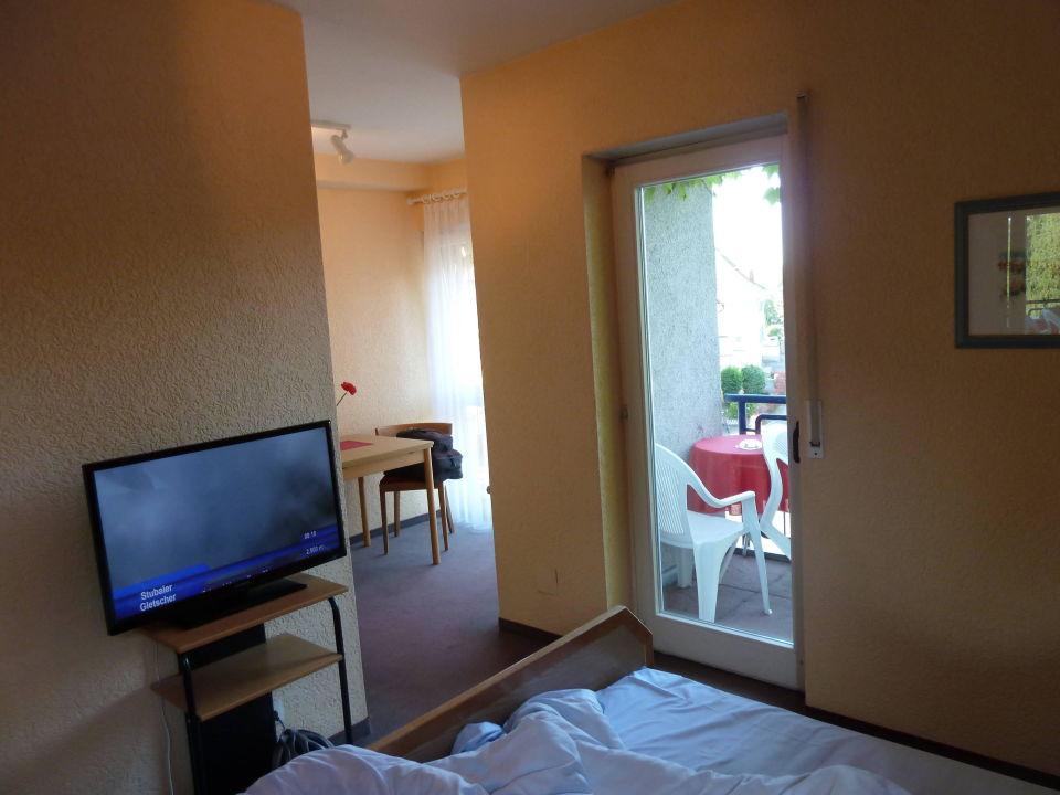 Zimmer Mit Sitzecke Und Balkon Hotel Rheinblick Breisach