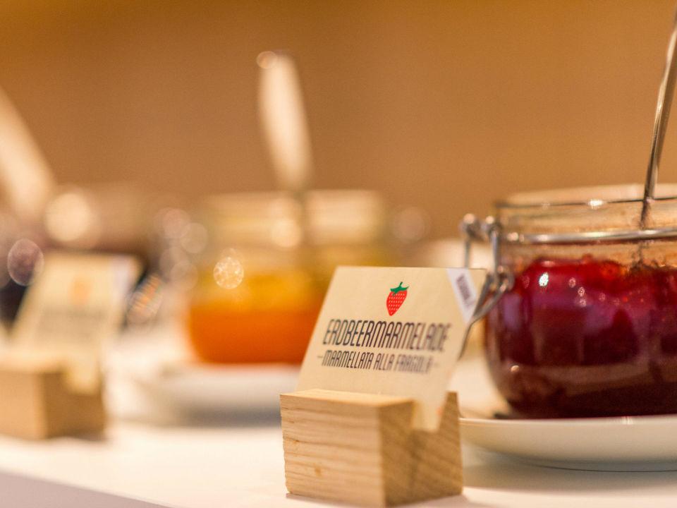 Das Frühstücksbuffet Design Hotel Tyrol Parcines Partschins