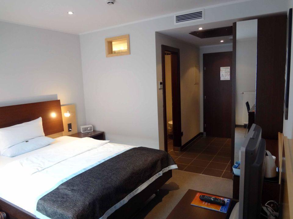 Zimmer 304 - Bett\