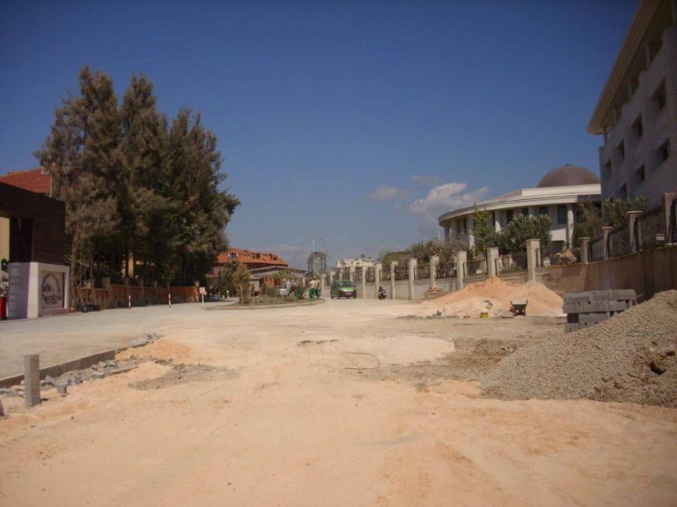 Weg zum Strand Larissa Stone Palace Resort