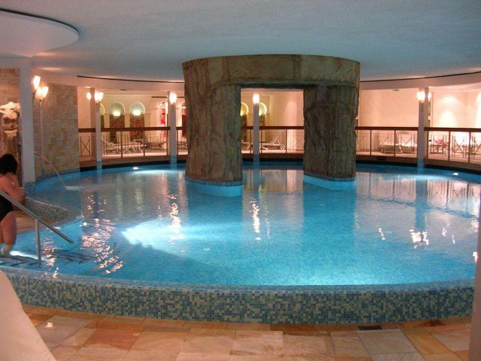bild pool aussen zu krumers alpin resort spa in seefeld. Black Bedroom Furniture Sets. Home Design Ideas