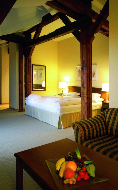 suite in abtsm hle romantik hotel bergstr m l neburg holidaycheck niedersachsen. Black Bedroom Furniture Sets. Home Design Ideas