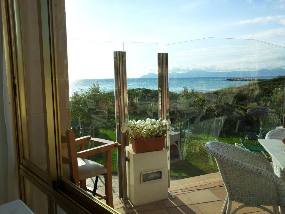 Blick aus dem Restaurant Playa Esperanza Suites