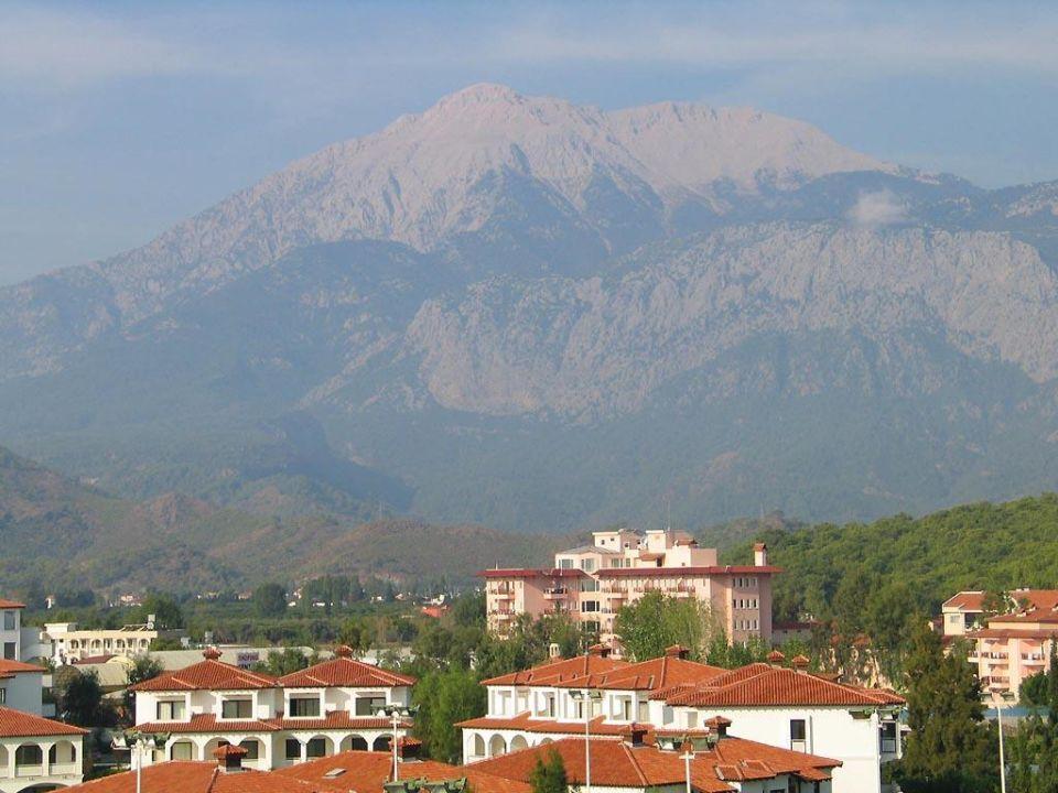 Blick auf das Taurus-Gebirge Kiriş World Hotel by Voyage  (geschlossen)