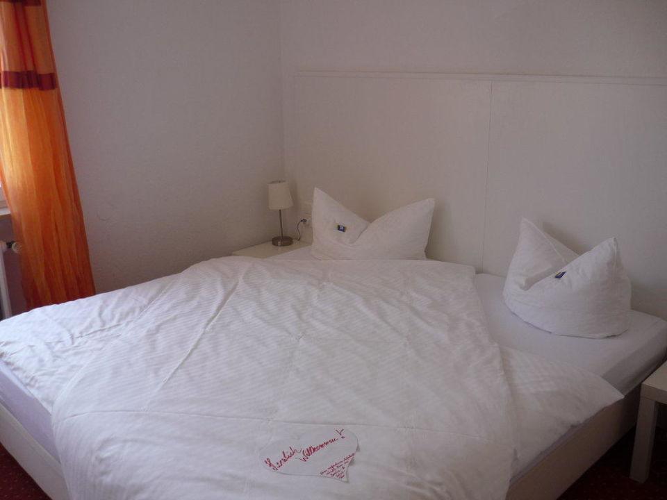 """Bett im """"Kinderzimmer"""" Hotel & Gästehaus Seehof"""