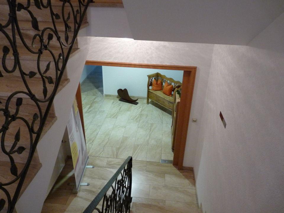 Bild treppenhaus zu hotel zum l wen staffelstein in bad for Bilder fa r treppenhaus
