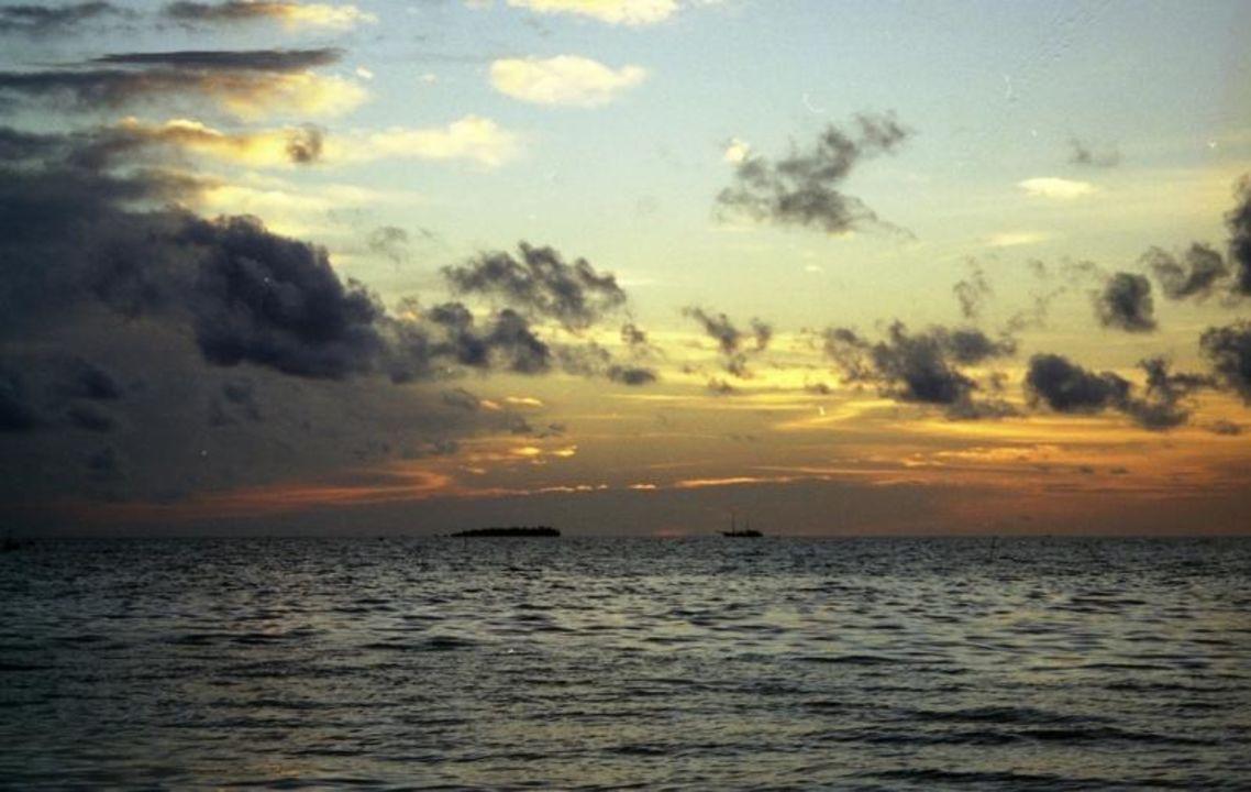 Meeru Sonnenuntergang Meeru Island Resort & Spa
