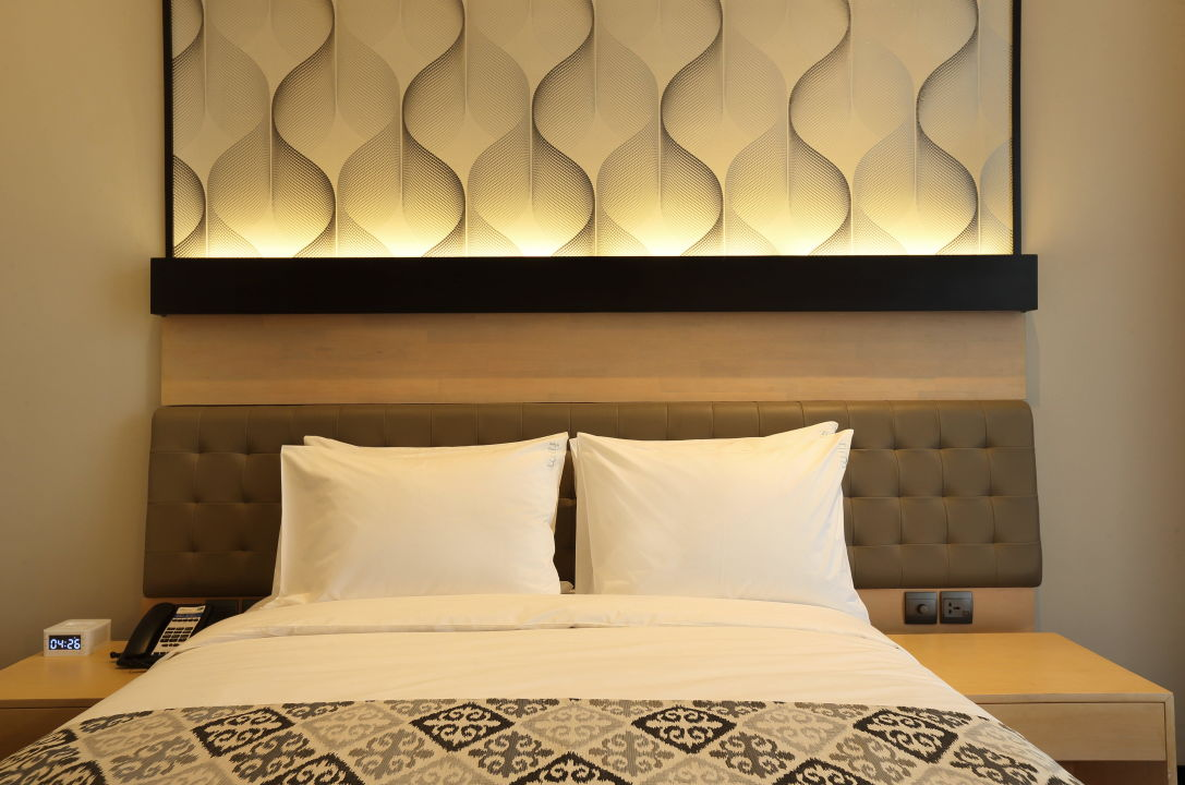 Queen Room with Free Breakfast and Wi-Fi Holiday Inn Express Jakarta Thamrin