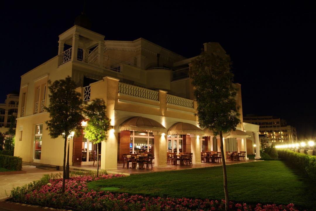 Bild Das Fischrestaurant Am Abend Zu Sunset Resort In