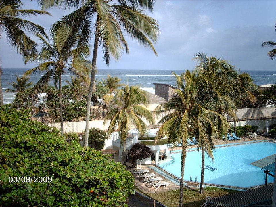 Pool Hotel Berjaya Colombo