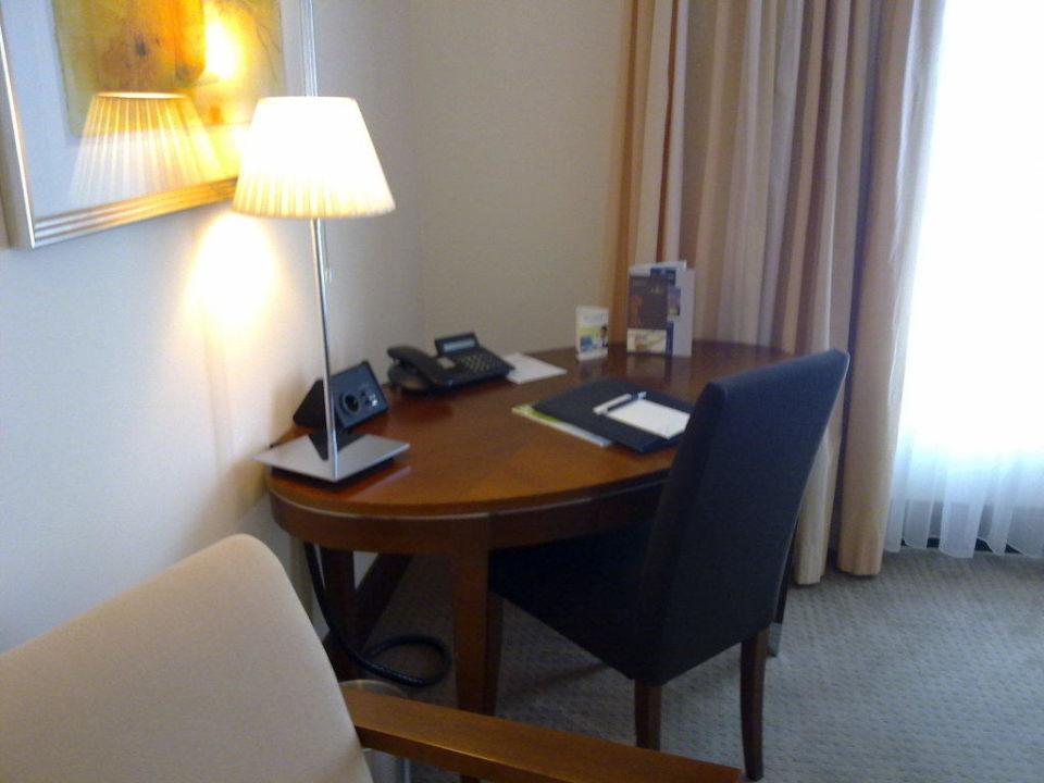 Zimmer - Schreibtisch Sheraton Carlton Hotel Nürnberg