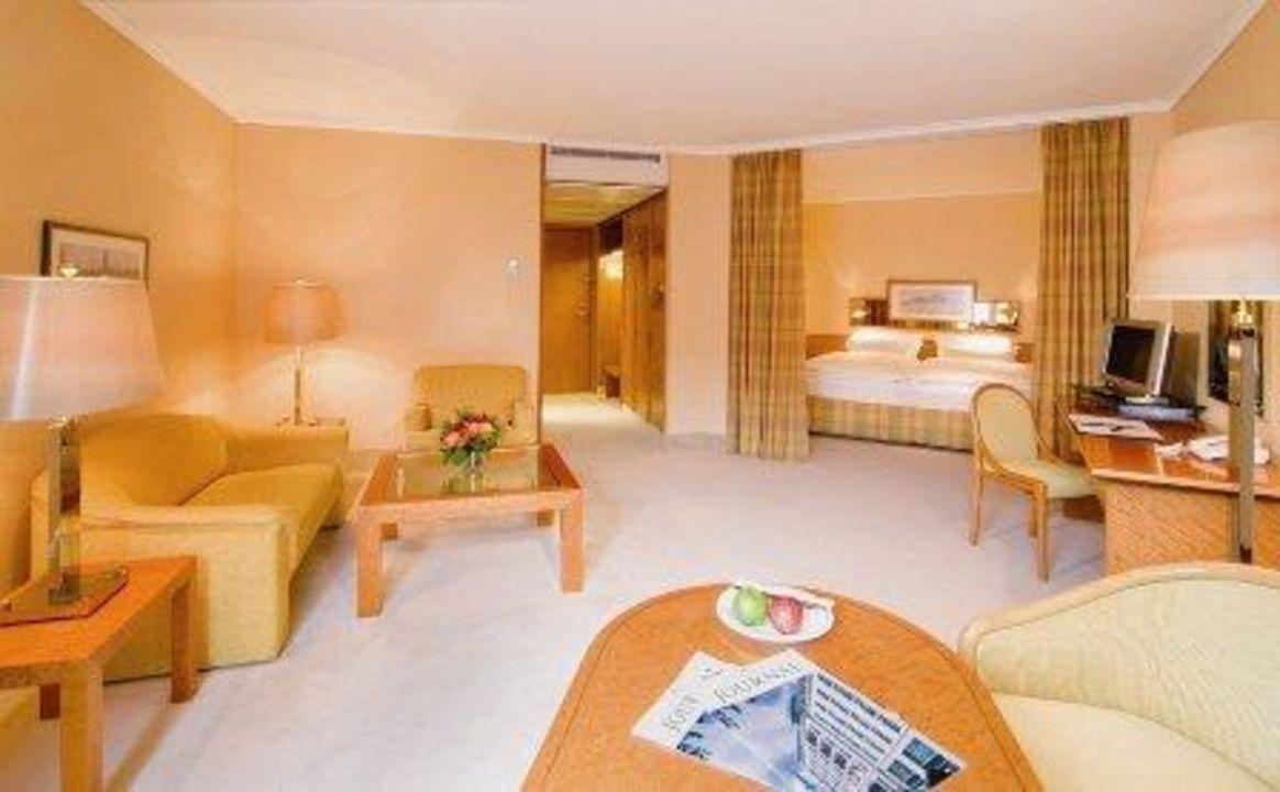 alkoven zimmer grand elys e hotel hamburg hamburg holidaycheck hamburg deutschland. Black Bedroom Furniture Sets. Home Design Ideas