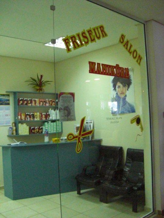 Salon de coiffure, manicure\