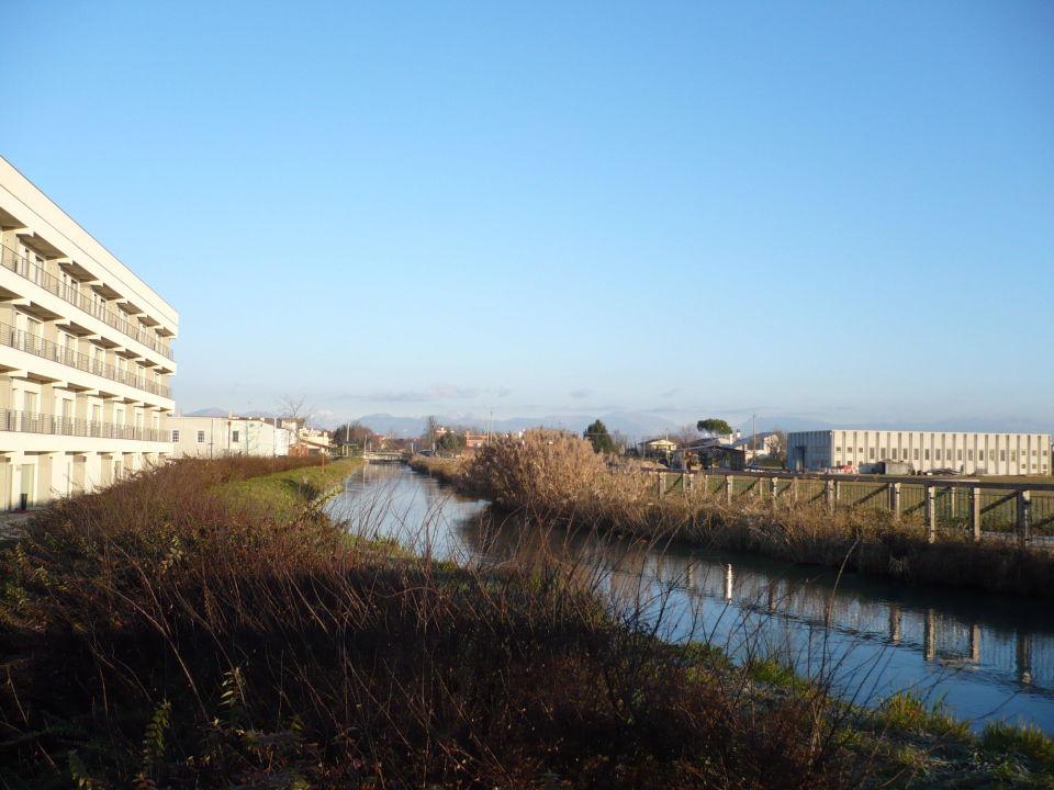 Landschaft neben dem Hotel\