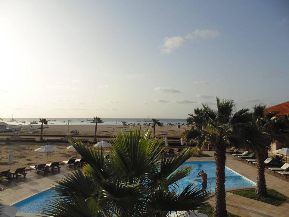 blick zum strand und pool f r erwachsene hotel morabeza santa maria holidaycheck sal. Black Bedroom Furniture Sets. Home Design Ideas