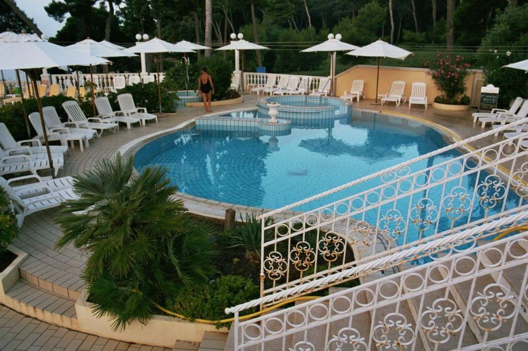 Poolanlage Island Hotel Katarina