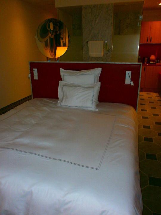 so ein gem tliches bett hyperion hotel dresden am schloss dresden holidaycheck sachsen. Black Bedroom Furniture Sets. Home Design Ideas