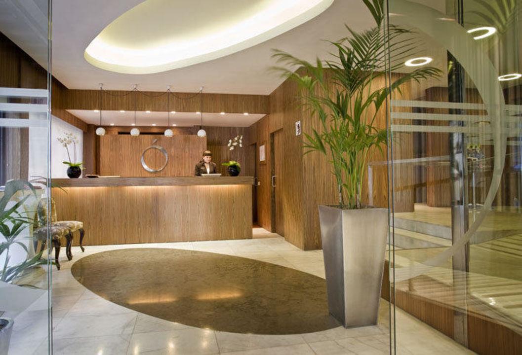 Reception Hotel Opera