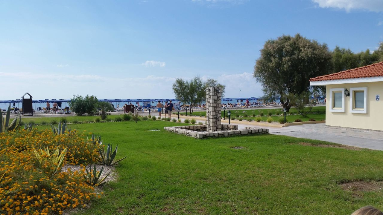 Quot Hotelstrand Amp Strandbar Quot Lindos Princess Beach Hotel In