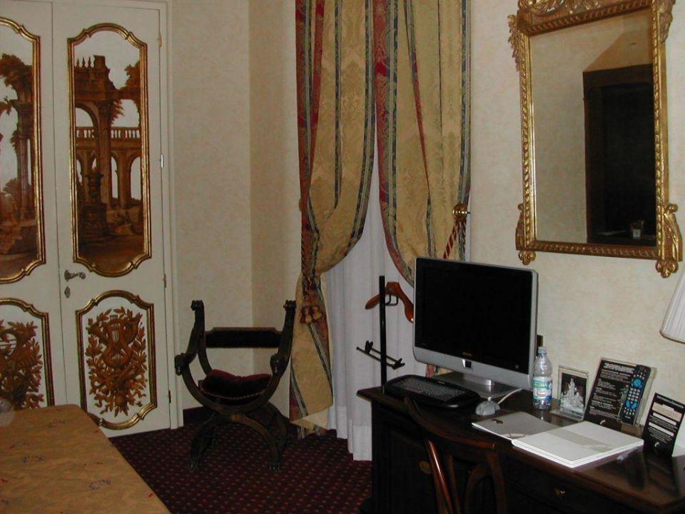 Das prächtige, ruhige, kühle Zimmer Hotel Nazionale