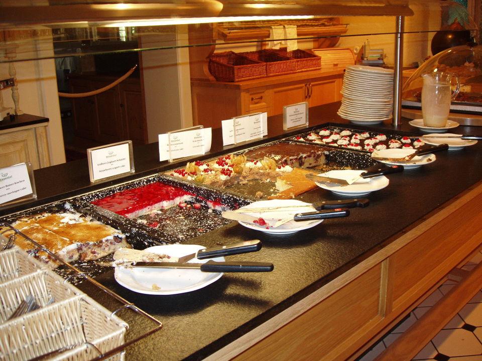 nachmittags kuchen buffet romantik hotel der wiesenhof pertisau holidaycheck tirol. Black Bedroom Furniture Sets. Home Design Ideas