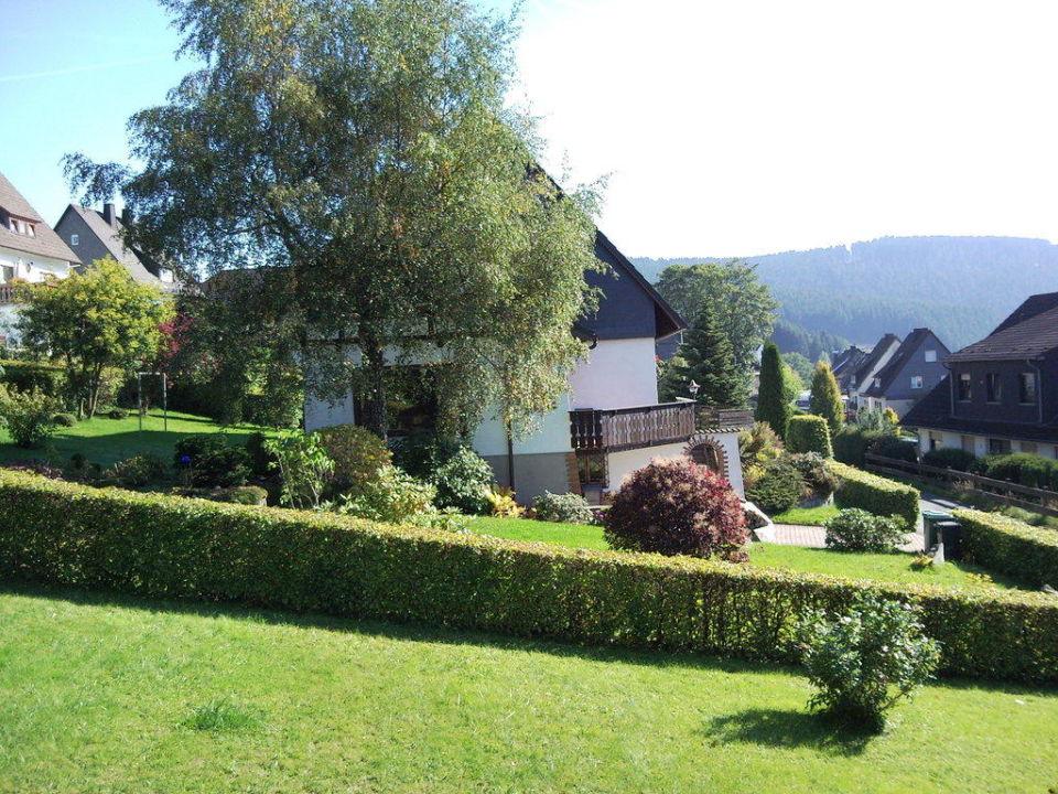 Gartenbereich Ferienwohnung Wiese Ferienwelt Winterberg
