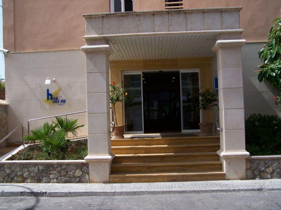 Eingang Hotel Bella Mar Hotel Bellamar / Bella Mar