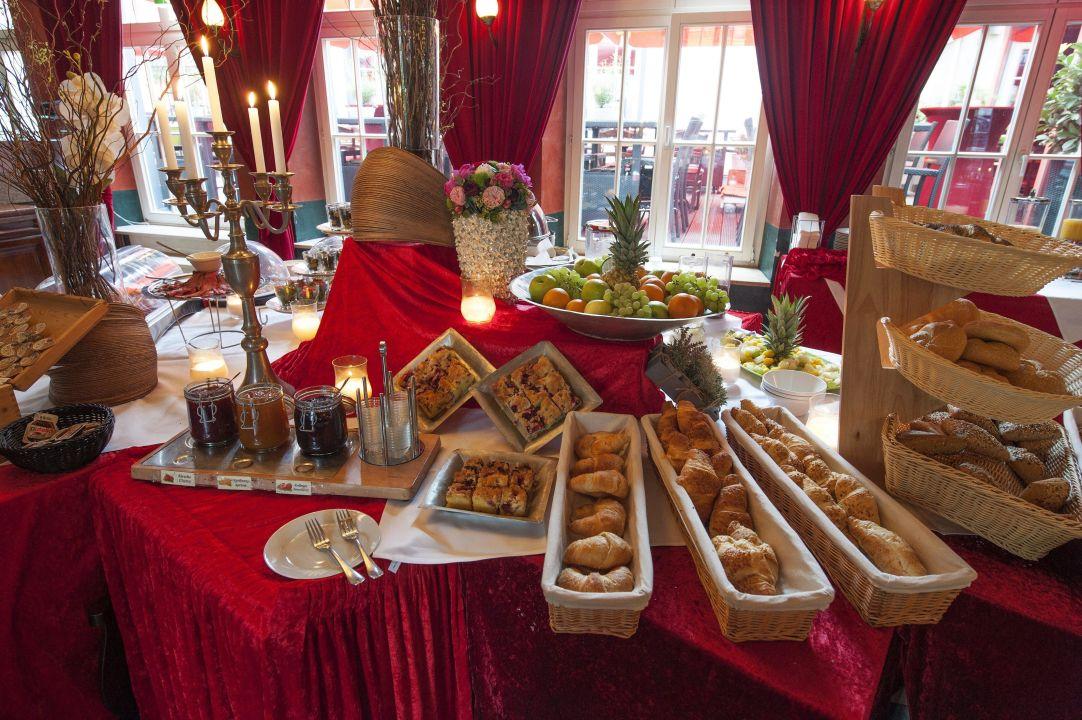 Fruhstucksbuffet Xii Apostel Hotel Albergo Koln Holidaycheck