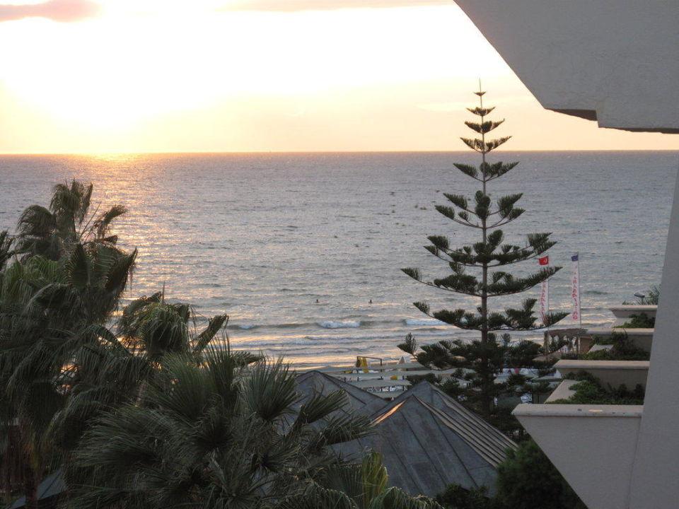 Blick vom Balkon auf das Meer Hotel Nerton