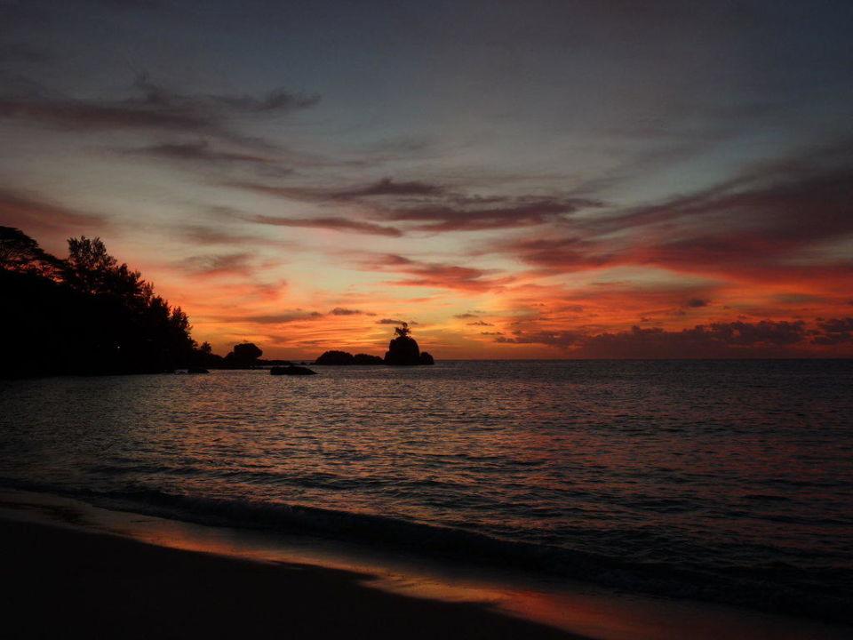 Sonnenuntergang am Strand des ASB Hotel Beachcomber Anse Soleil