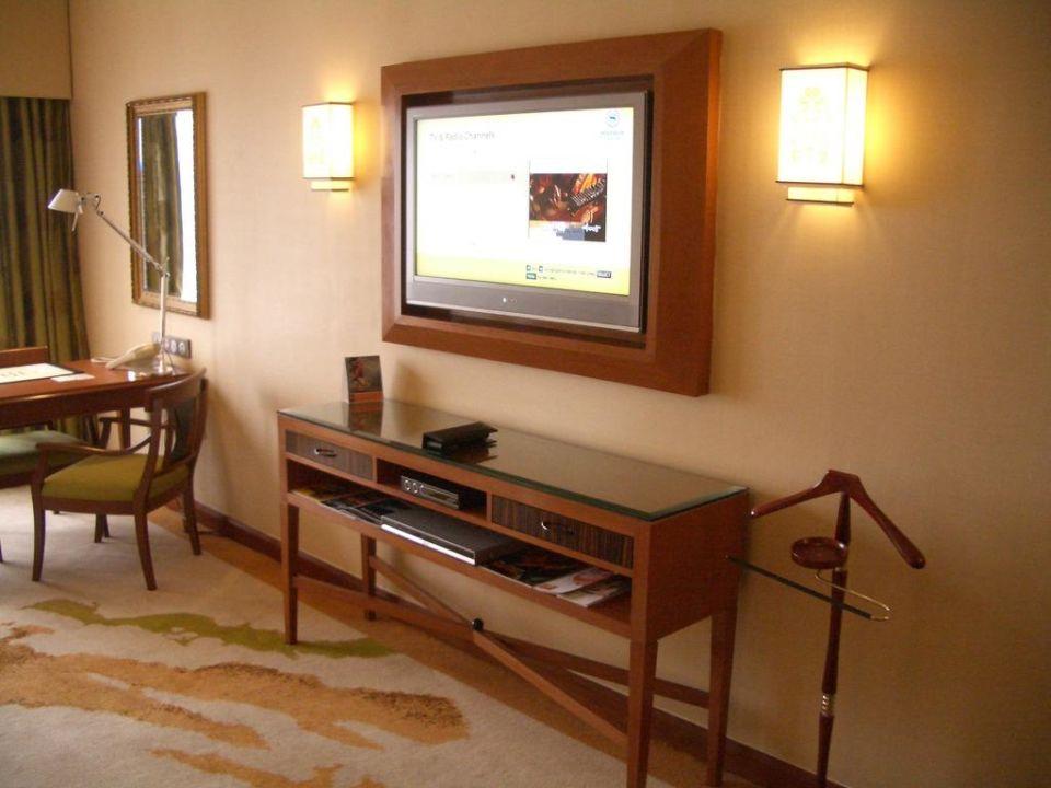Der Flachbildschirm im Zimmer Sheraton Imperial Kuala Lumpur