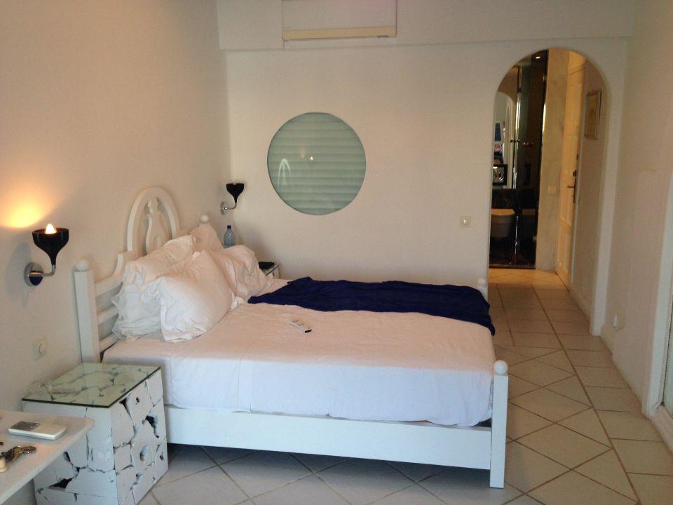 "Bett des ""Luxushotels""! Hotel Kivotos"