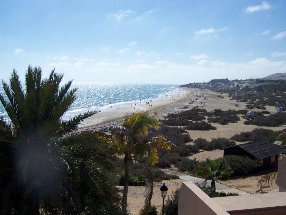 Ausblick von der Poolterrasse des Taro Beach SBH Hotel Taro Beach