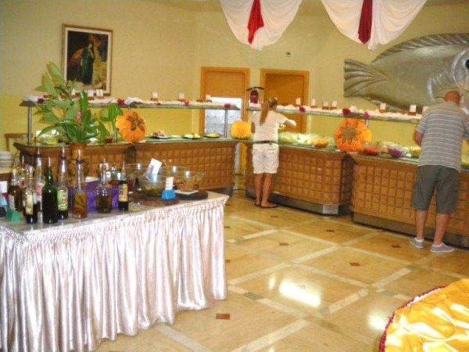 Buffet Hotel El Mouradi Skanes Beach