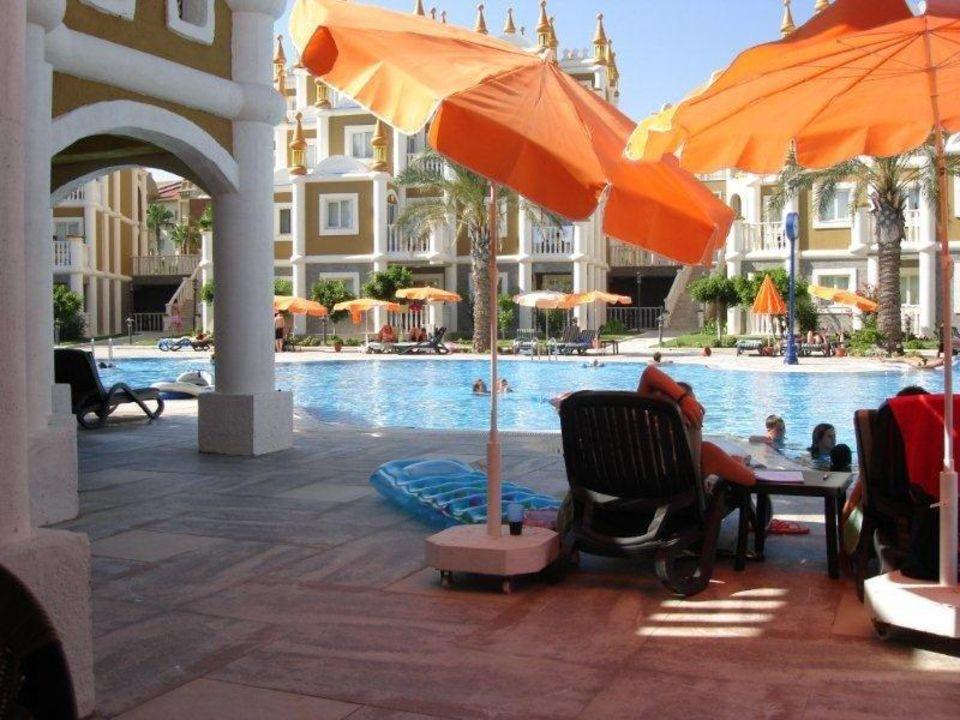 Blick auf die Terrassenhäuser Kamelya Collection Hotel Fulya